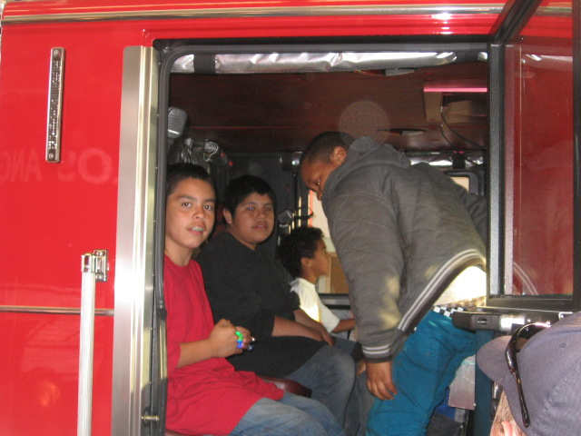 Hey!! We are inside the fire engine!!